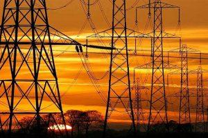 El Gobierno pesificará la generación eléctrica de centrales binacionales y generadoras spot