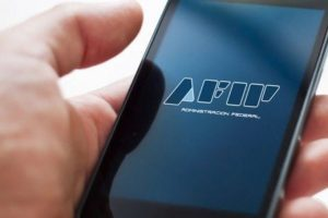 AFIP dispone que las propinas se podrán pagar con tarjeta