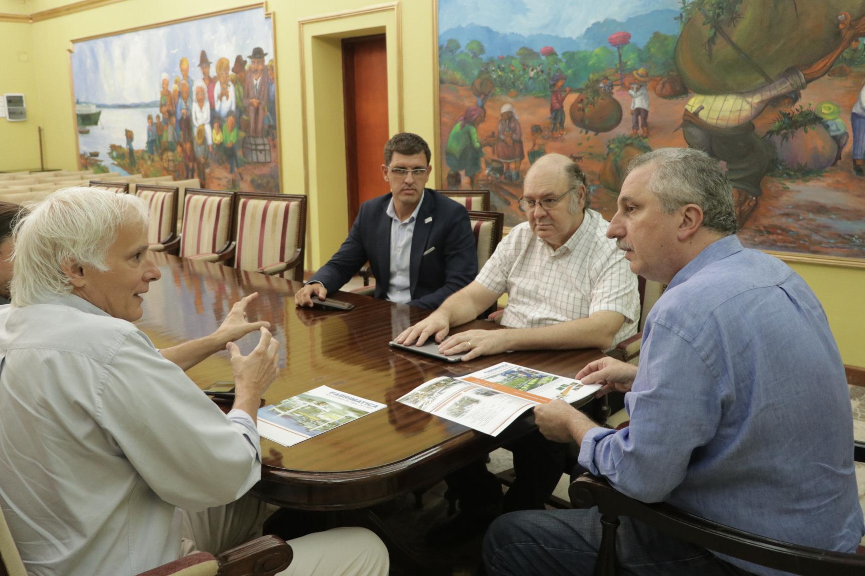 El Gobernador recibió al presidente de Fabrimática, empresa dedicada a robótica industrial