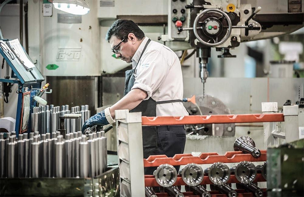 La UIA asegura que se perdieron 54.400 empleos en el sector en un año