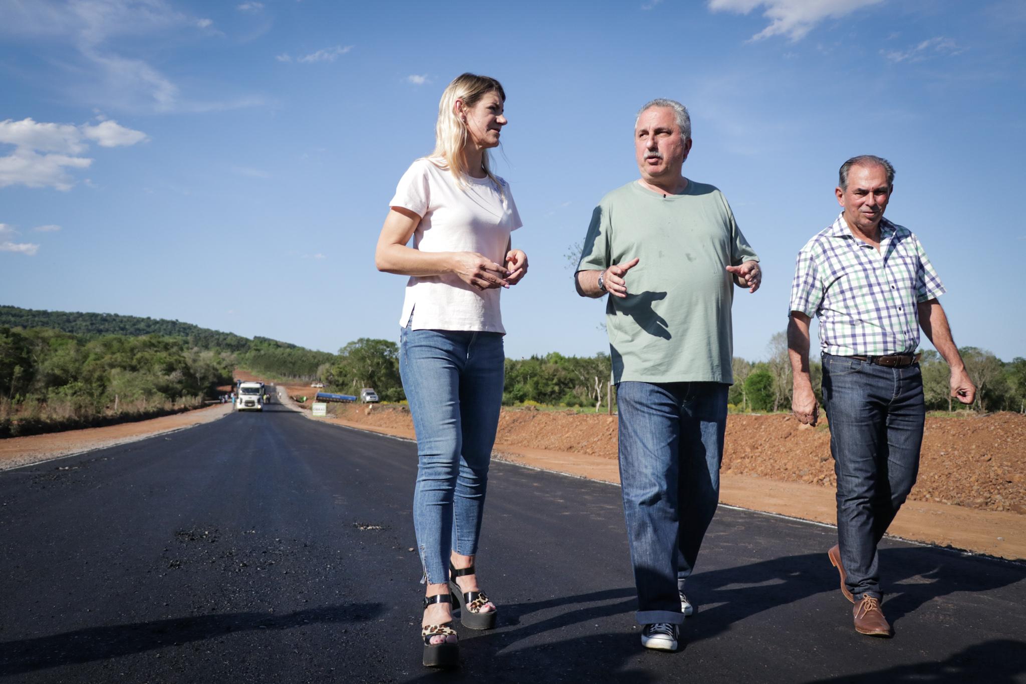Passalacqua recorrió la cooperativa Leandrito y obras de acceso a Almafuerte