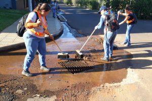 El municipio realizó un operativo integral de limpieza en distintos sectores de Posadas