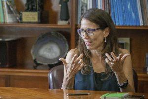 """Aborto: La ministra de la Mujer asegura que se trabaja en un proyecto de """"legalización"""""""