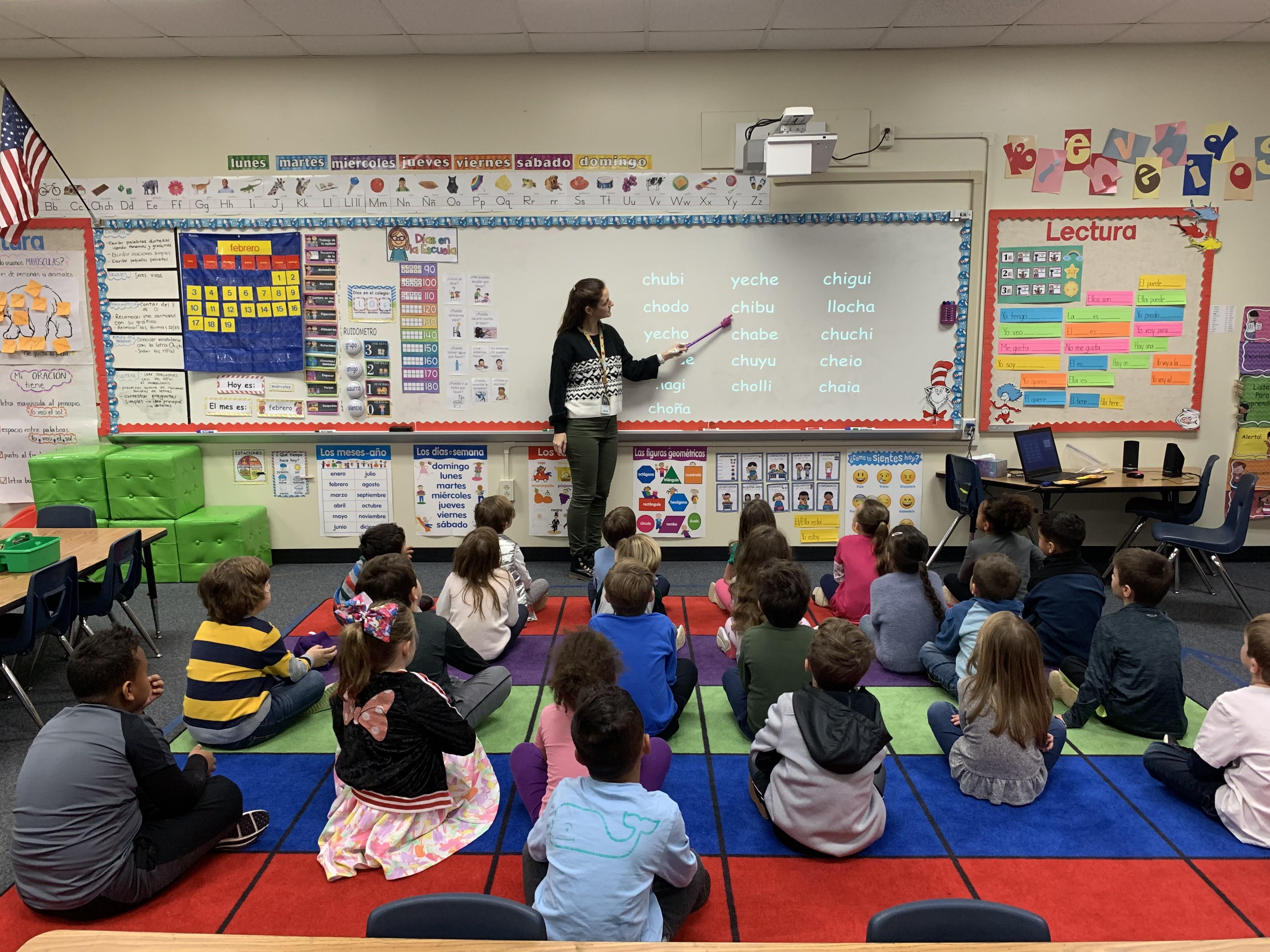 Estados Unidos continúa convocando a docentes argentinos para trabajar durante cinco años