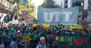 Verdurazo y tractorazo solidario de pequeños productores en Plaza de Mayo para mañana