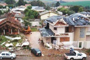 Un tornado arrasó una ciudad y dejó dos muertes en el fronterizo estado de Río Grande do Sul