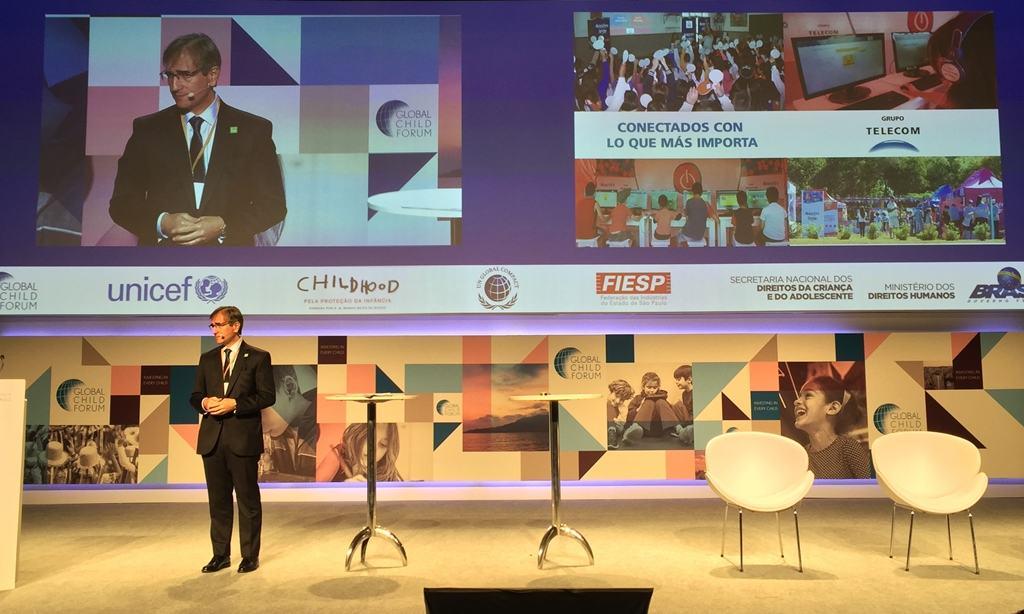 Pedro López Matheu, Director de Relaciones Gubernamentales, Comunicación y Medios de Grupo Telecom, durante la presentación de la gestión responsable de la empresa en el Global Child Forum América del Sur.
