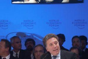 """Dujovne en el Foro Económico Mundial de América Latina: """"Tenemos un compromiso no negociable de bajar el déficit fiscal"""""""