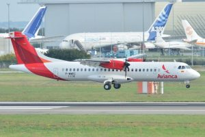 Crece la cantidad de pasajeros y Aerolíneas y LATAM ceden 12 puntos de participación de mercado