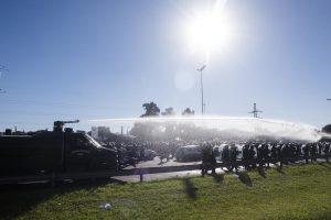 El primer paro a Macri, con fuerte acatamiento en todo el país