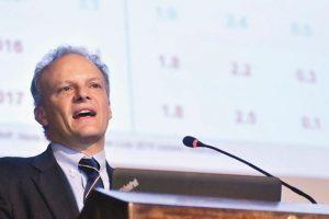 """El FMI presiona a Macri para que baje impuestos para """"alentar la inversión"""""""