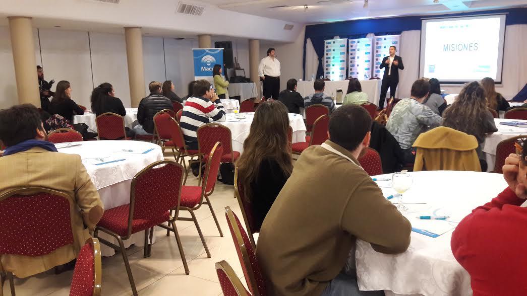Emprendedores comenzaron la capacitación en el programa Naves del banco Macro y el IAE