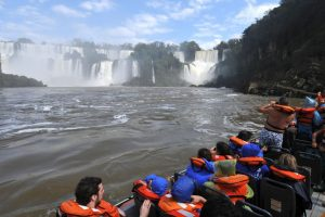 Más de 400 mil turistas ya visitaron las Cataratas del Iguazú en 2018 y hay muchas reservas para Semana Santa