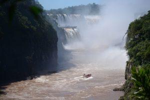 """Iguazú récord: llegó el turista 1,5 millón y el destino logra """"desengancharse"""" de la castigada economía argentina"""