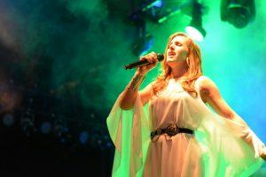 Soledad brindó un show pasional y emotivo en la Fiesta Nacional de la Navidad