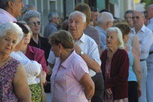 Los jubilados con 30 años de aportes cobrarán un plus de $900 por dos meses