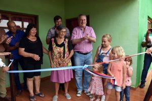 Passalacqua entregó la vivienda rural número 2.000 a familia de colonos de Caà Yarí