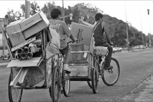 ¿Es homogénea la reducción del desempleo y la pobreza en todo el País? ¿Qué sucede conPosadas y el NEA?