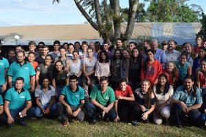 Encuentro de jóvenes en San Vicente para buscarle una vuelta al futuro de la chacra y evitar el éxodo a la ciudad