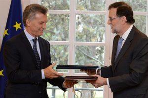Macri espera mañana a Rajoy para invitar a los españoles a invertir y elogió el trabajo de Puerta en turismo