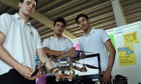 """Jóvenes apostoleños llevaron su """"dron de rescate"""" a Bariloche"""