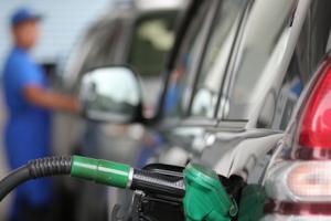 Diputados nacionales de la oposición buscan redireccionar impuestos a los combustibles