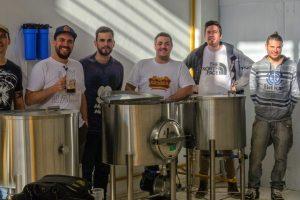 Cerveceros artesanales se juntaron para cocinar una Ipa Argenta