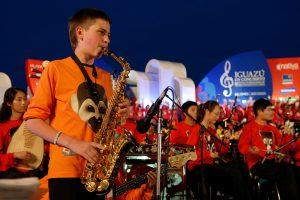 """La música del mundo se adueña de la tierra colorada en el festival internacional """"Iguazú en Concierto"""""""