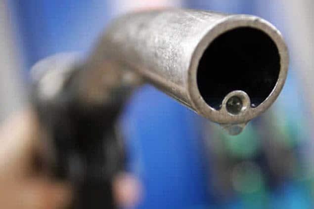 La venta de combustibles en octubre creció 5% intermensual pero sigue 20% debajo de la prepandemia