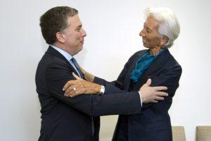 """Dujovne dijo que la reunión con Lagarde fue """"buena"""" y espera que este mes se apruebe el acuerdo"""