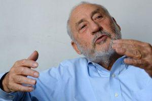 Stiglitz ponderó rol del Estado y la inversión en protección social para afrontar la pandemia
