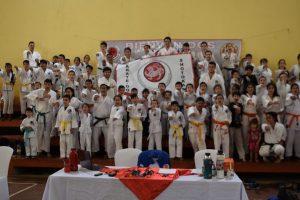 Más de 70 alumnos de las escuelas municipales participaron de un encuentro de karate