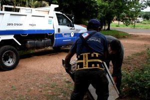Dengue: realizan operativos de descacharrado, fumigación y concientización en las chacras 107 y 116