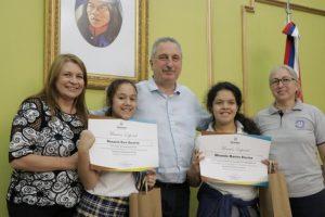 """Passalacqua felicitó por la """"ejemplaridad"""" a alumnas misioneras que se destacaron en las Olimpiadas de Matemática"""