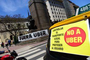 Los taxistas vuelven a perder contra Uber: La Justicia confirmó que es legal