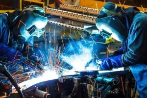 Según la Unión Industrial la actividad cayó un 7% y el sector perdió 4 mil puestos de trabajo