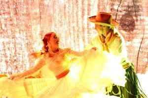 Mario Bofill y Diana Amarilla brillaron en la primera noche del Festival del Litoral