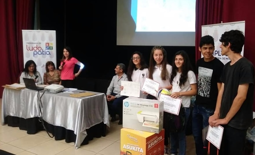 """Alumnos del CEP 21 son los ganadores de """"Tu historieta previene la ludopatía"""""""