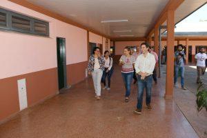 La EBY mejoró dos escuelas y una plaza en el barrio Fátima
