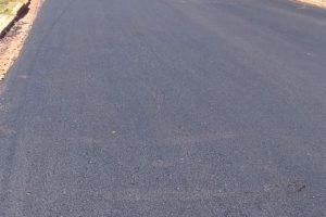 Vialidad asfalta calles en Puerto Iguazú