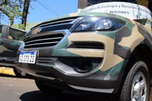 Ecología entregó camionetas 0 KM para guardaparques y programa Mi Título
