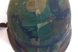El casco de Malvinas que podría volver a manos de su dueño, 36 años después