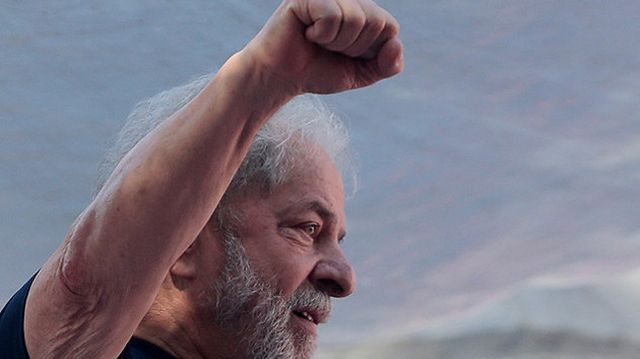 Fernández celebró el fallo por el que Lula podría quedar libre y lo comparó con casos de corupción K
