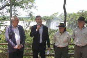 """Macri en Iguazú: destacó al turismo como generador de empleo """"federal y descentralizado"""""""