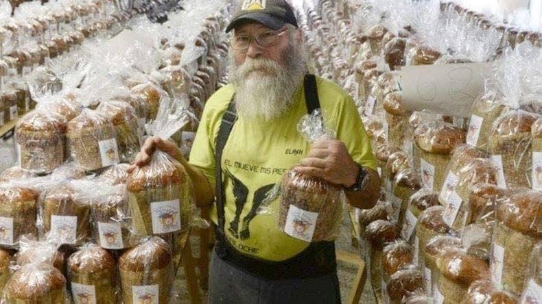 Papá Noel paraguayo regalará 10 mil pan dulces por Navidad en Bariloche