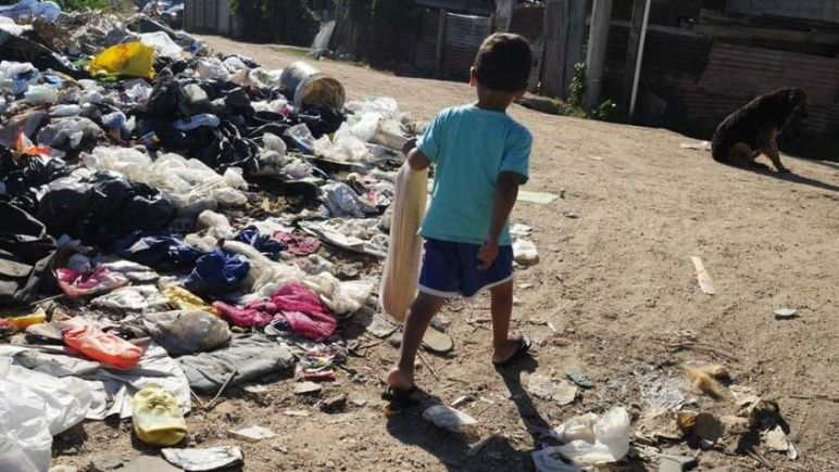 Según la UCA, creció la pobreza infantil y afecta a 13,1 millones de chicos
