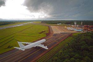 ¿Se viene el vuelo Iguazú-Barcelona? Transporte celebró la conexión con Madrid y dijo que el acuerdo incluye cualquier ciudad de España en ruta a las Cataratas