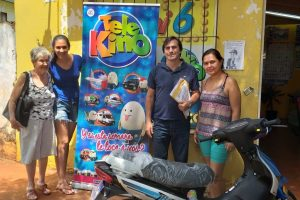 Tele Kino entregó una motocicleta en Eldorado