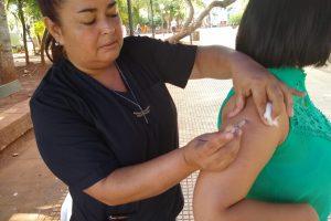 Más de 300 personas se vacunaron contra la fiebre amarilla en la plaza 9 de Julio de Posadas