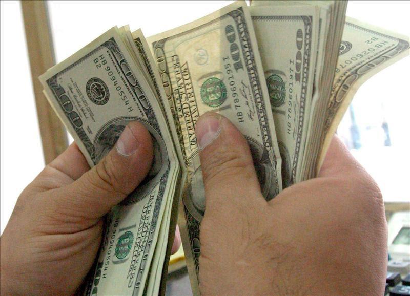 El BCRA llevó la tasa al 48% y el dólar reaccionó con la primera suba en cinco días